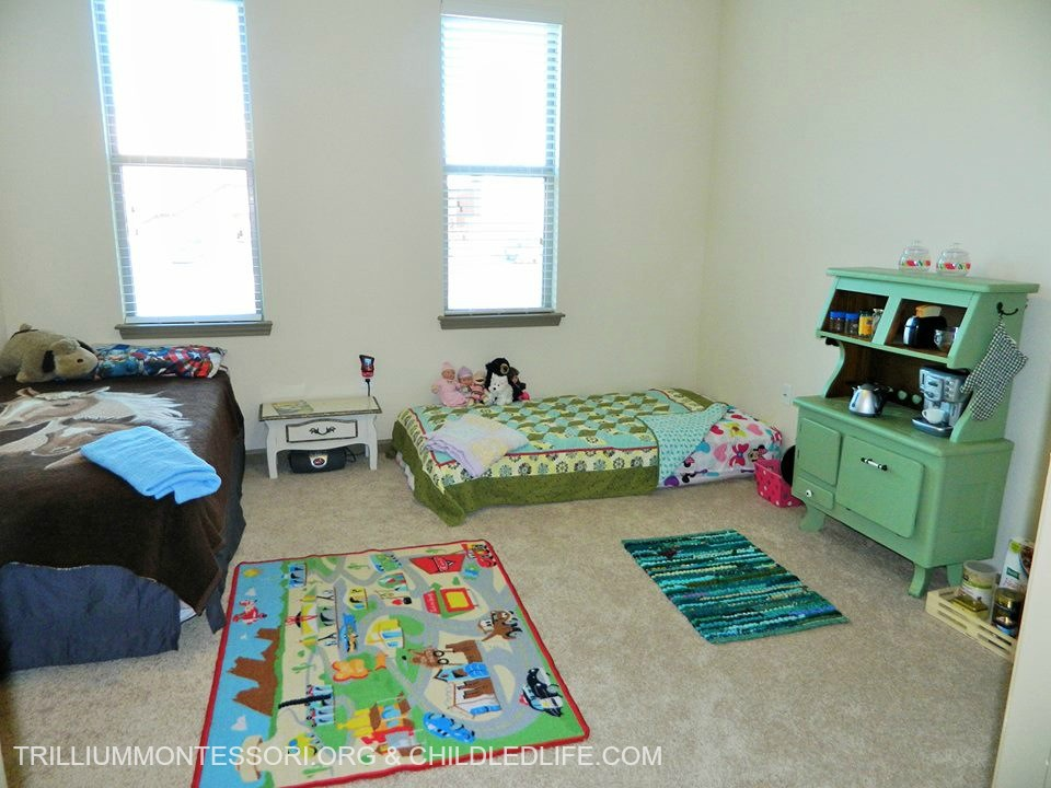 Small space montessori setup children 39 s room and closet for Small bedroom setup