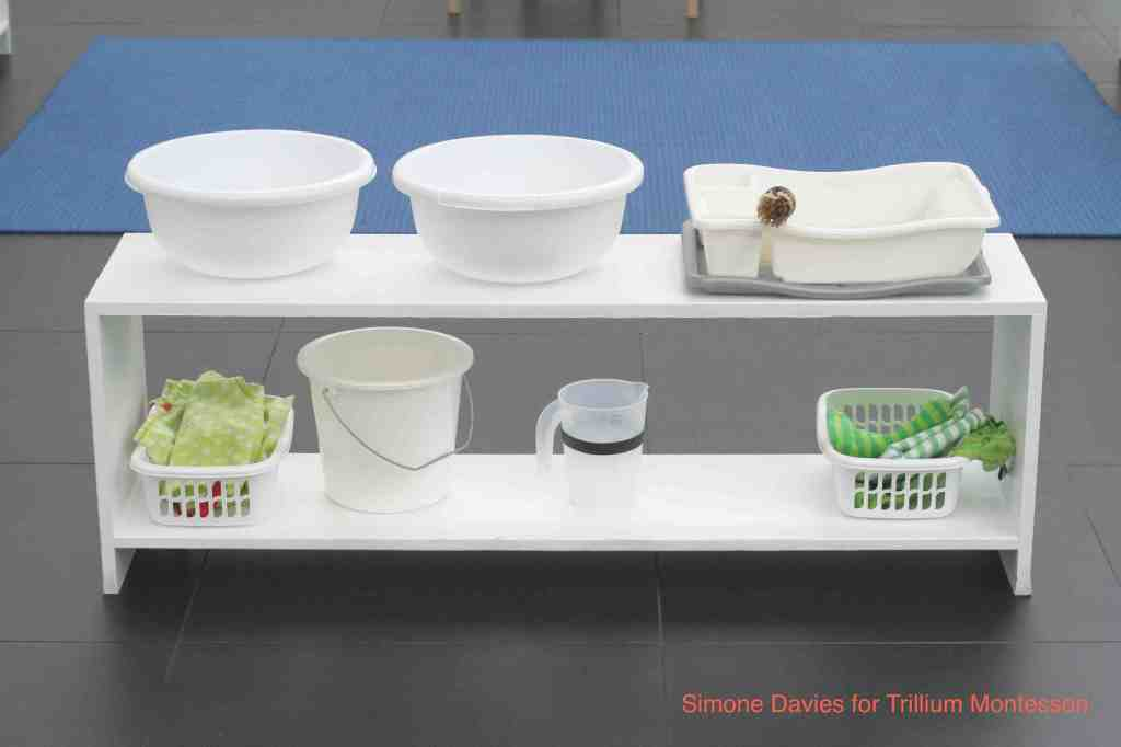 Toddler Classroom in Amsterdam 6 dishwashing reduced