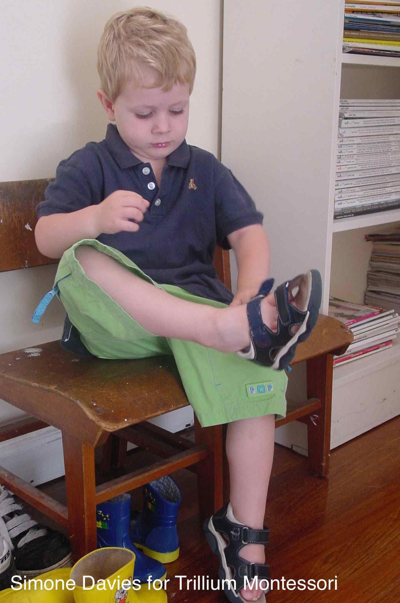 A Day In The Life Of A Montessori Toddler Trillium